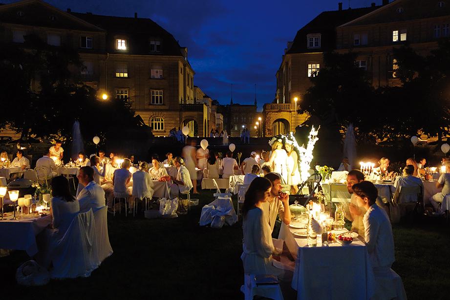 Diner en Blanc Karlsruhe 2014 am Haydnplatz