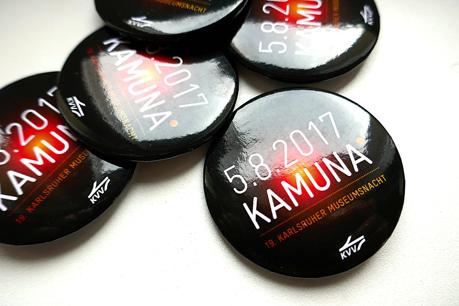 Kamuna – wir verschenkenEintrittsbuttons